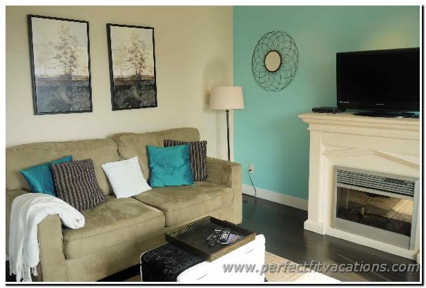 8303-livingroom4